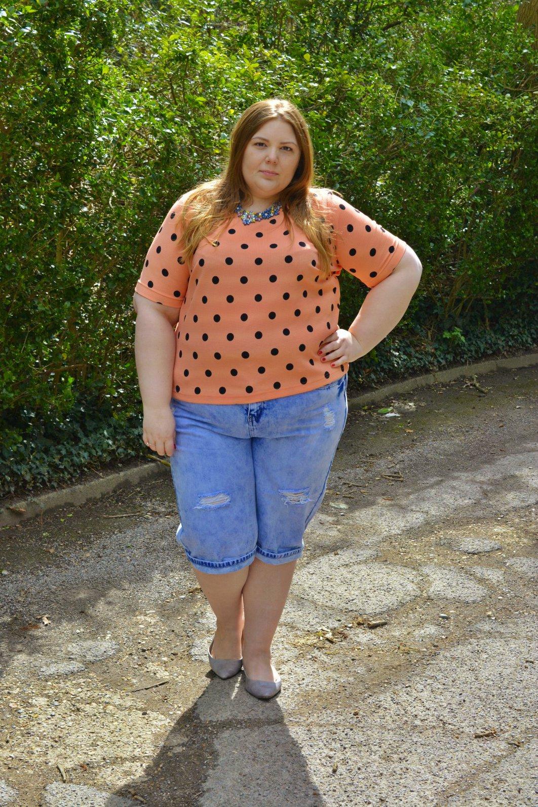 shorts in short Fat girl