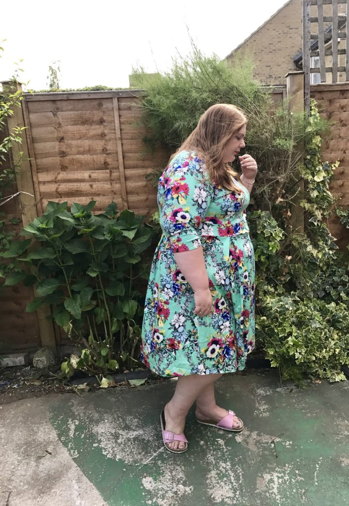 Plus size vintage dresses - pretty big butterflies