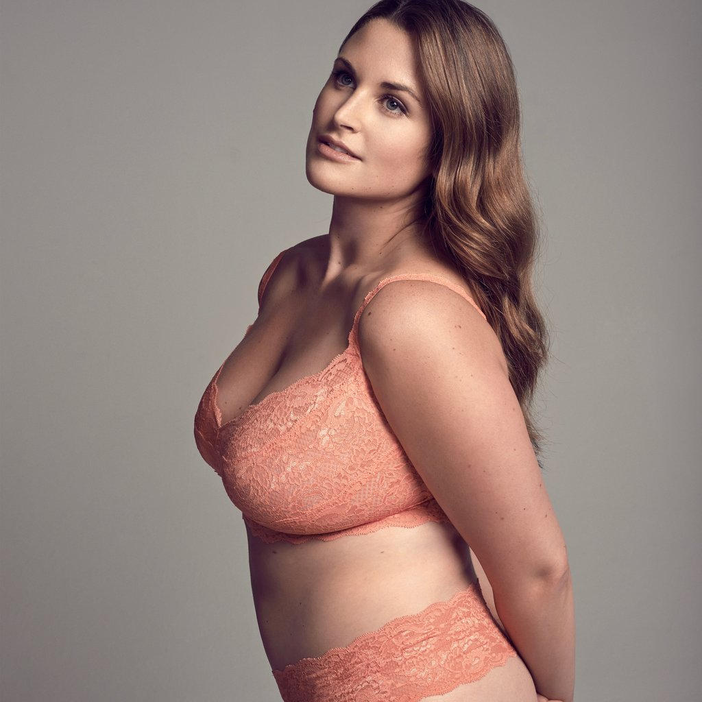 How To Choose Plus Size Bras and Lingerie